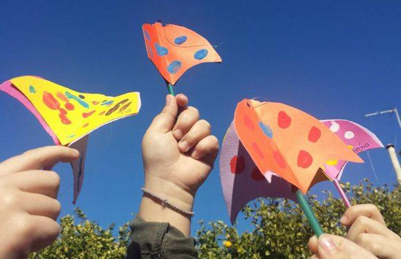 Πολύχρωμες ομπρέλες στο γαλάζιο ουρανό!!!