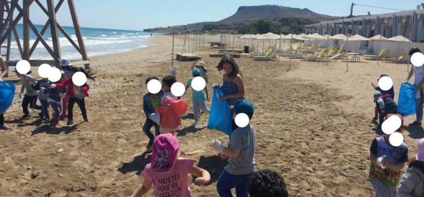 Εθελοντικός καθαρισμός παραλίας